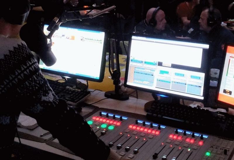 Digitální vysílací mixážní pulty