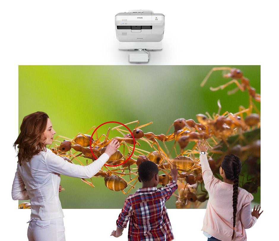 Dvě interaktivní pera / Dva obrazy a dotykové ovládání