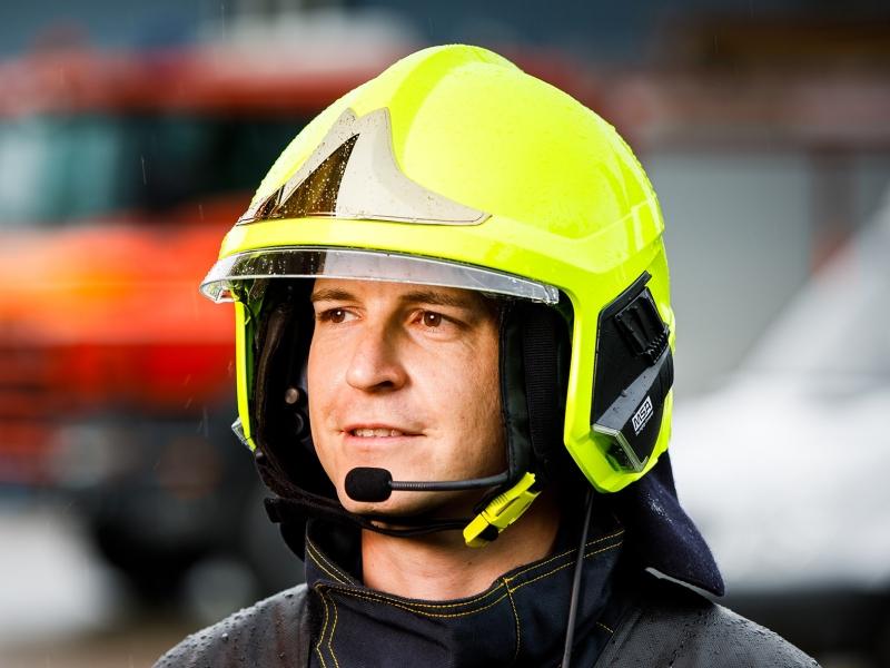 Průmyslové komunikátory pro pracovní či bezpečnostní týmy